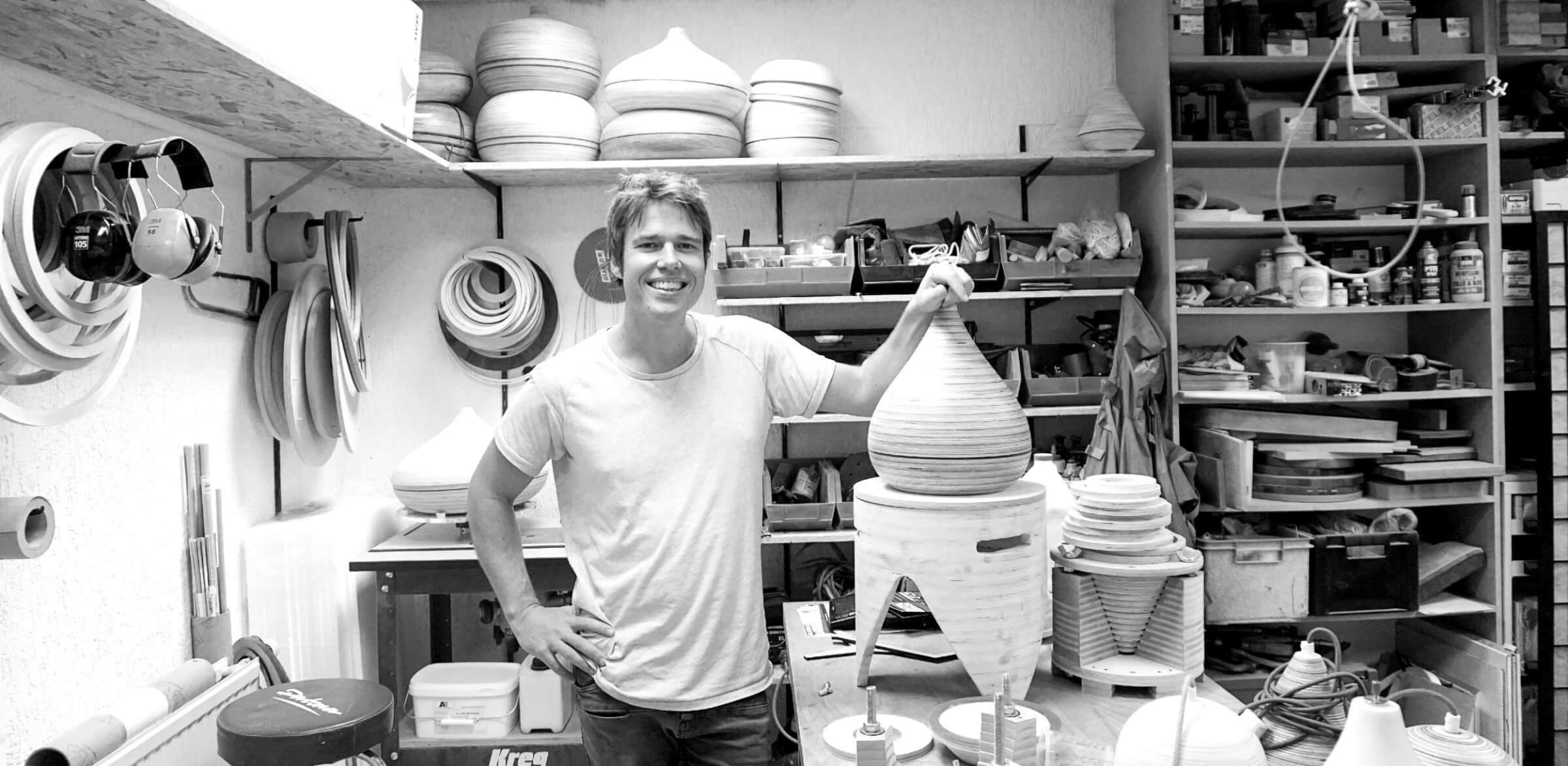 Dille Thomas in zijn studio